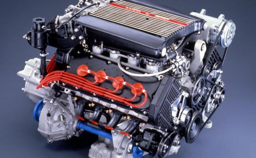 V6 pod maskami Alfa Romeo